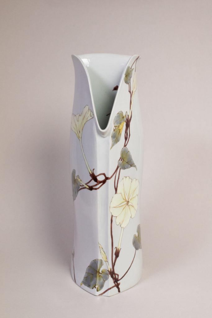 夕顔文三角壷(ゆうがおもんさんかくつぼ)16cm×16cm×45cm